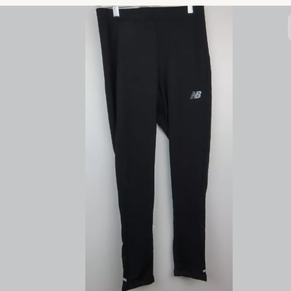 41f6067661f1b New Balance NB Dry Crop Running Leggings. M_5b5a09320e3b862d456d1532